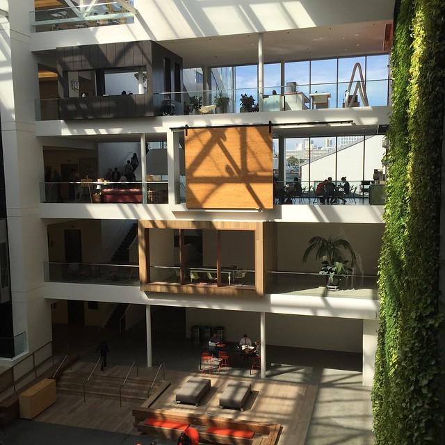airbnb의 건물 내부