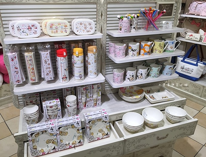 16 日本東京購物原宿白色迪士尼Disney Store
