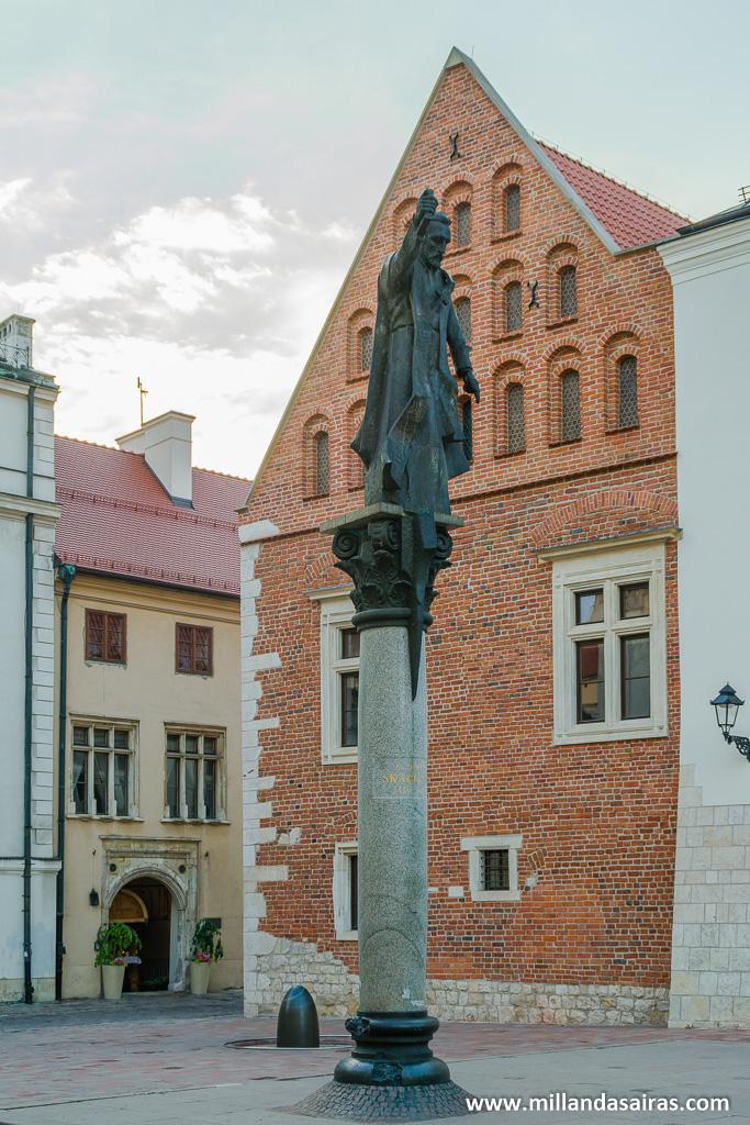 Estatua a Piotr Skarga