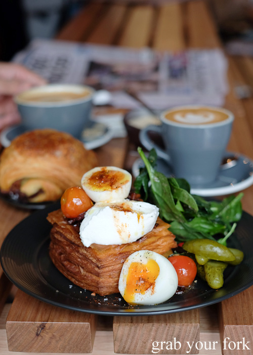 Breaky Danwich, coffee and the morning papers at Abbots and Kinney, Adelaide