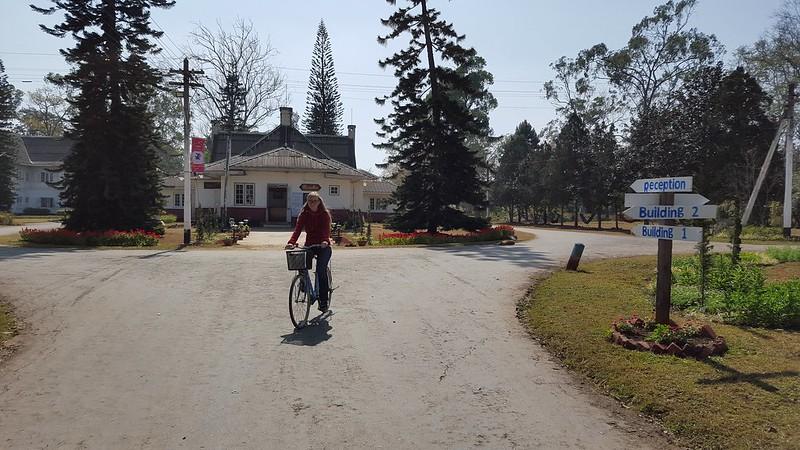 Wir sind zwar in den Bergen, es ist aber flach genug für ein Fahrrad ohne Gänge