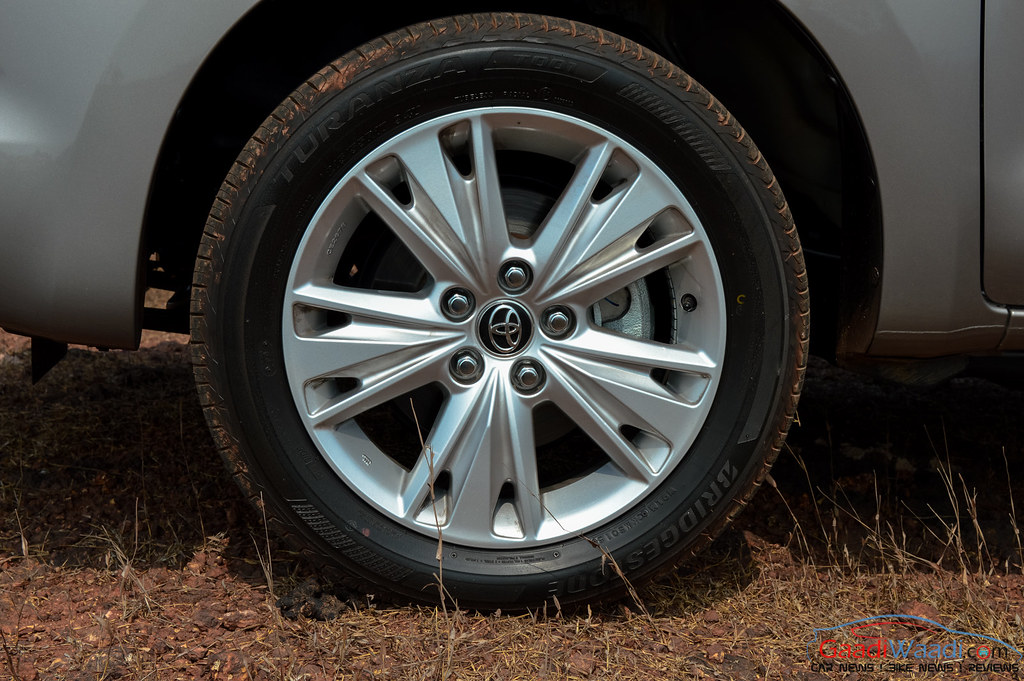 Toyota Innova Crysta alloywheel