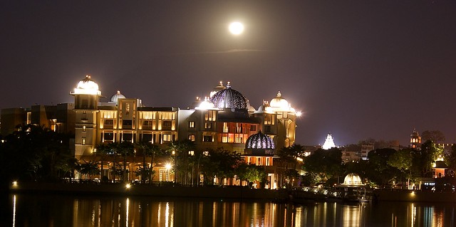 The Oberoi Udaivilas hotel - night reflections