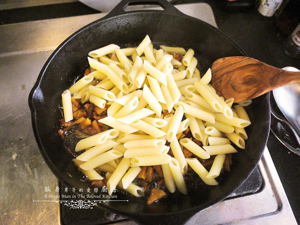 孤身廚房-愛上短義大利麵-南瓜培根起司筆管麵17