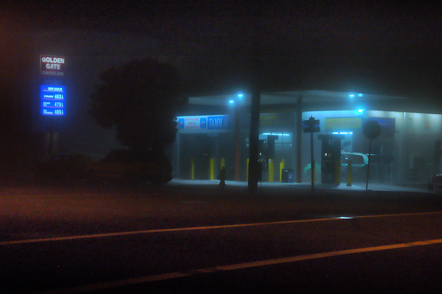 Gas Station on Geary St in the fog, night; The Outer Richmond, San Francisco (2008)