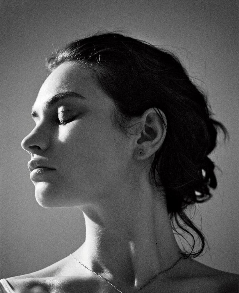 Лили Джеймс — Фотосессия для «Town & Country» 2016 – 8