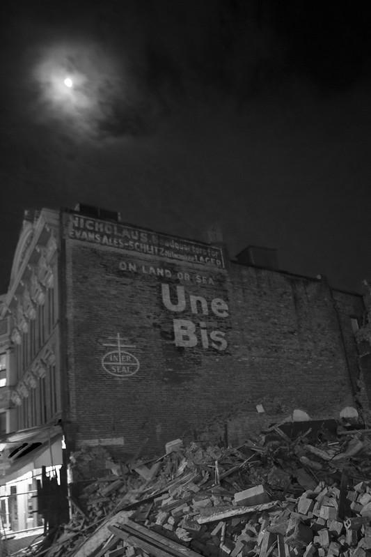 Une Bis (Uneeda Biscuit) sign, B&W, Schenectady, N.Y.