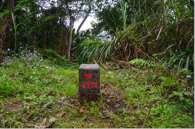 丁子漏山三等三角點(# 4328 Elev. 332 m) 1