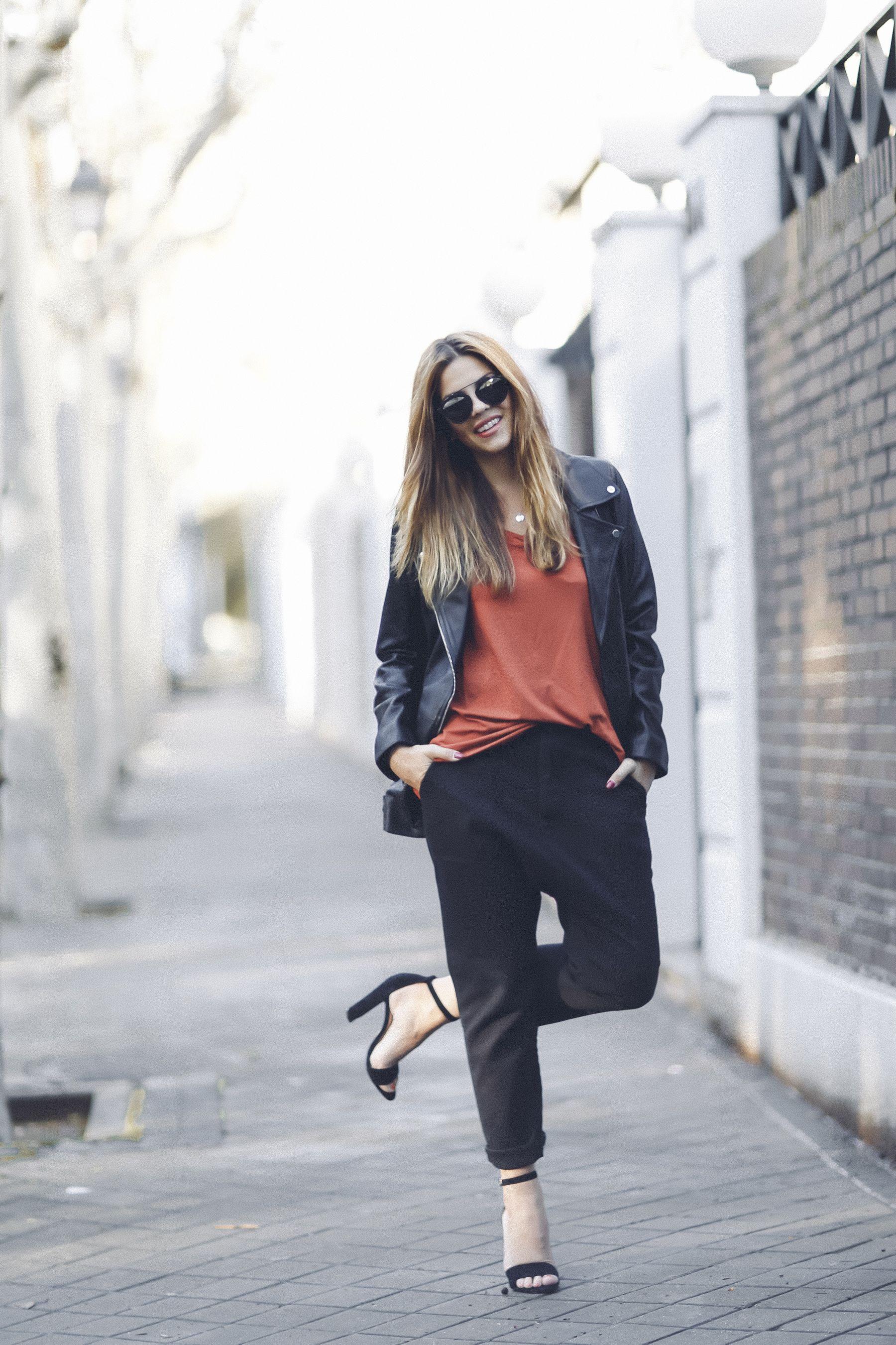 sandalias sandals mbym outfit look primavera spring camiseta zara steve madden Dior gafas de sol sunglasses street style trendy taste_1