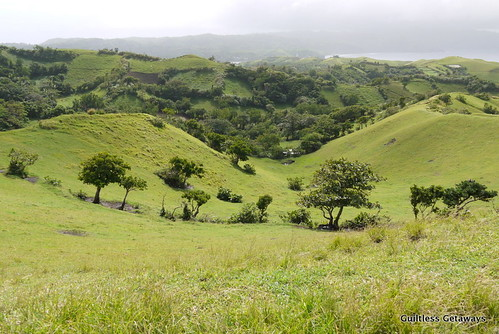 vayang-rolling-hills.jpg