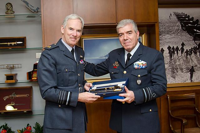 Συνάντηση Αρχηγού ΓΕΑ με τον Αρχηγό του Επιτελείου της RAF