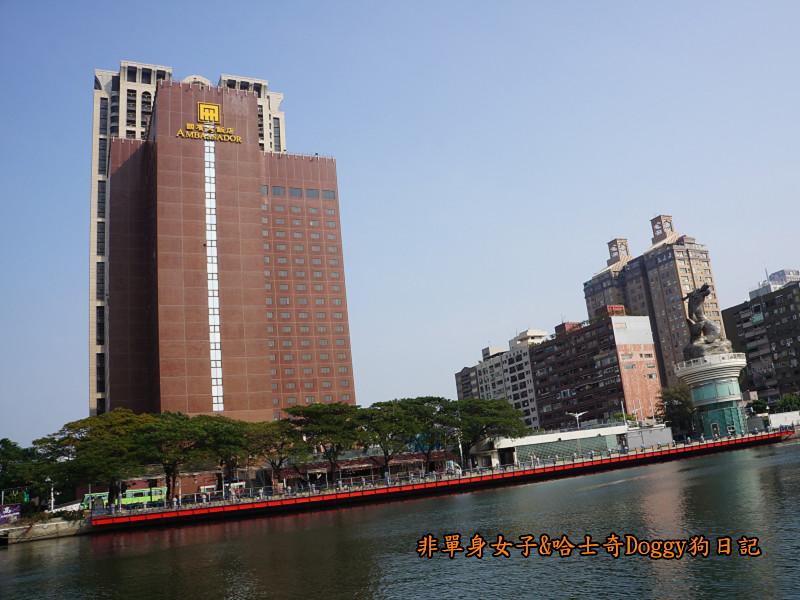 高雄港遊愛河25