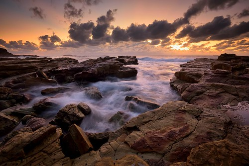 ocean seascape rocks australia newsouthwales aus cavesbeach watermovement theblacksmith nikon1635mmf4 chalkybeach nikond750