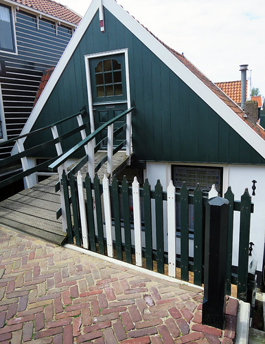 A wooden house in Markham, Holland