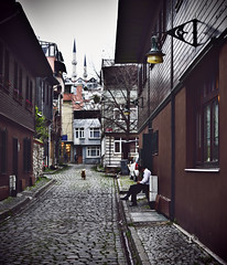 Taking a breat in the backstreets of Istanbul