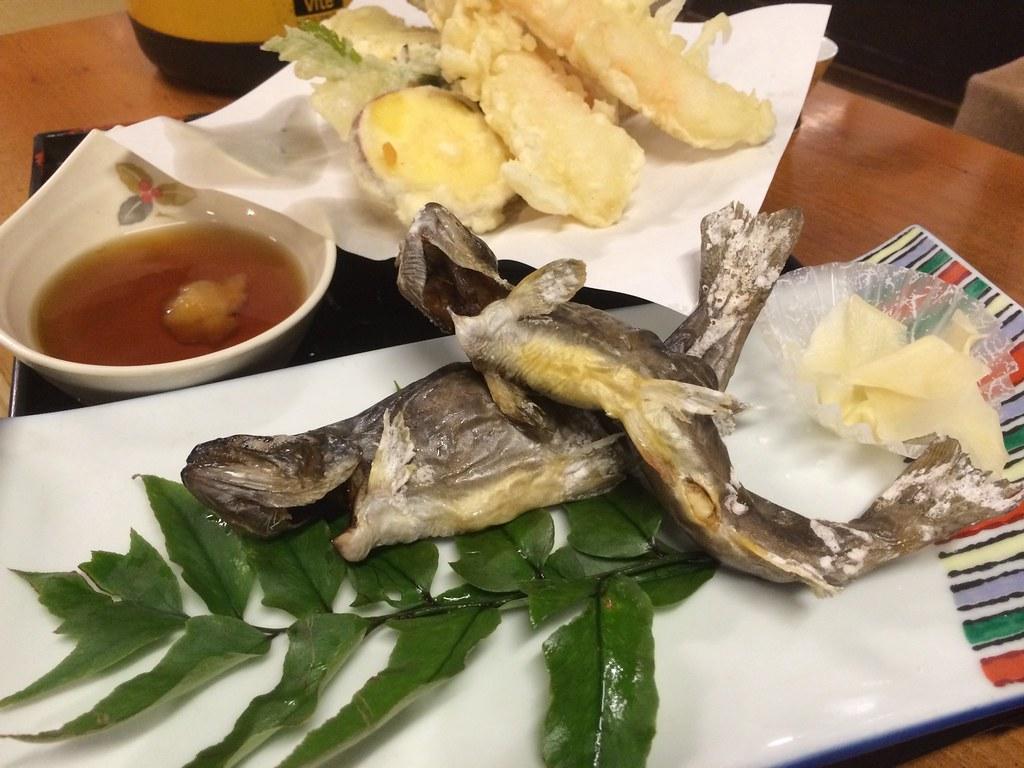 岩魚の塩焼きと天ぷら