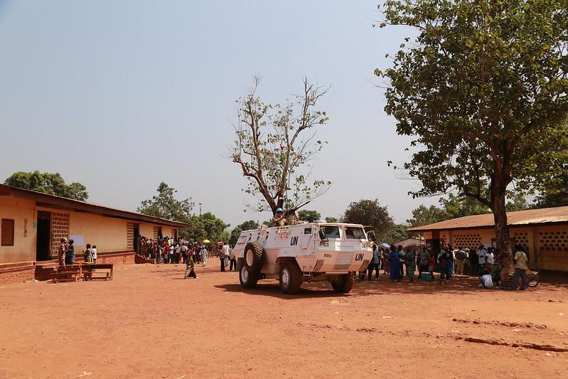 Intervention militaire en Centrafrique - Opération Sangaris - Page 21 23773243180_c5d9f349fe_c