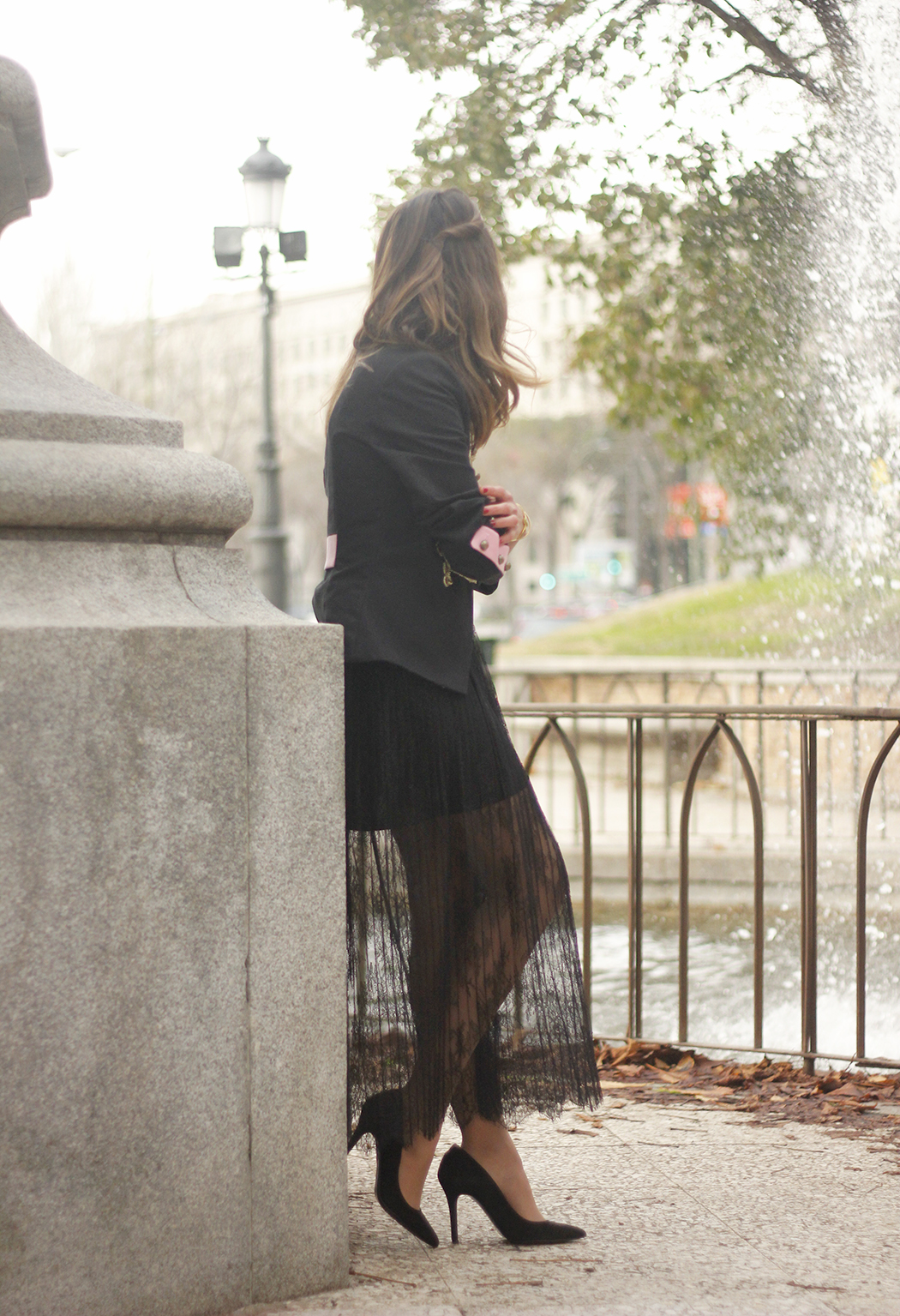 Lace skirt black jacket extreme collection black heels outfit02
