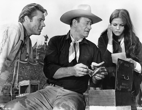 Circus World - Backstage - John Smith, John Wayne and Claudia Cardinale