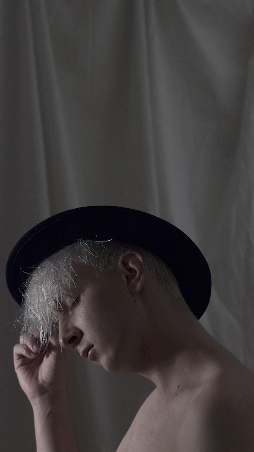 jere_viinikainen_photographer_omakuva_art_fedora1
