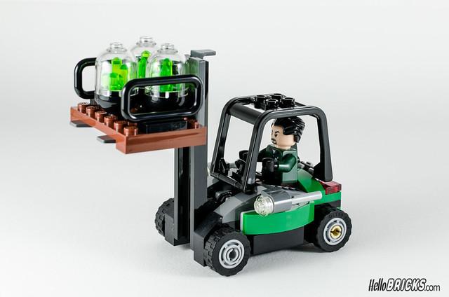 REVIEW LEGO 76045 DC Comics Batman Kryptonite Interception 15