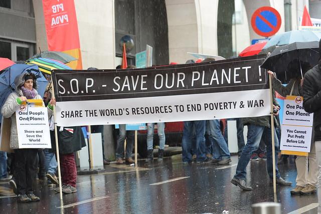 Betoging tegen gevechtsvliegtuigen // Foto's: Jean-Marie