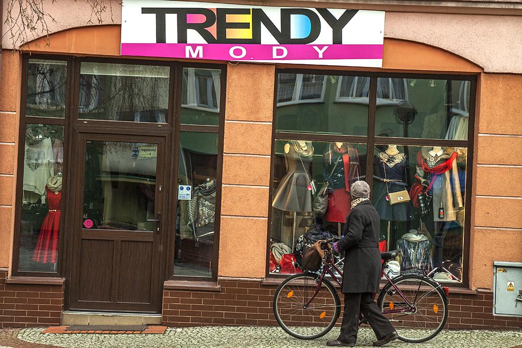 TRENDY MODY--Luban