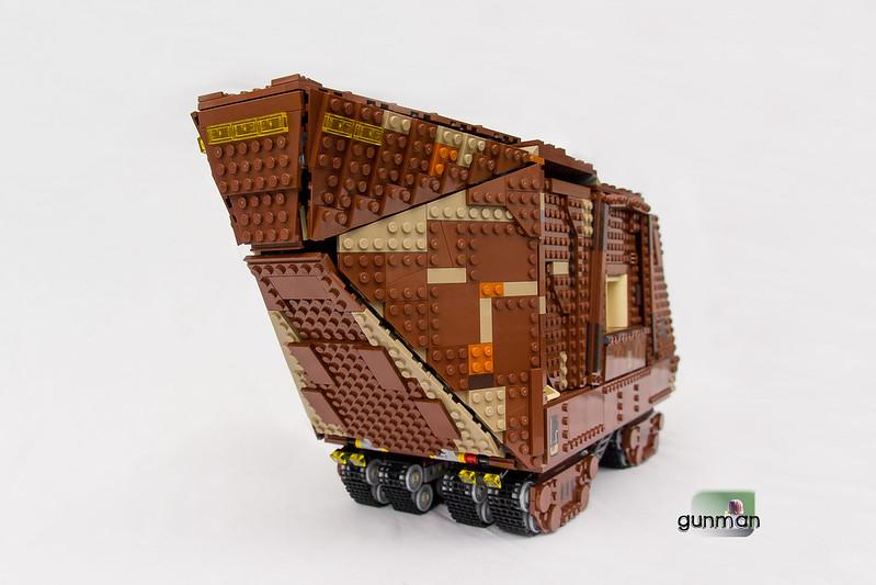 ThebrickReview:LEGO 75059-1 UCS Sandcrawler 24172686402_29a4ff1516_c