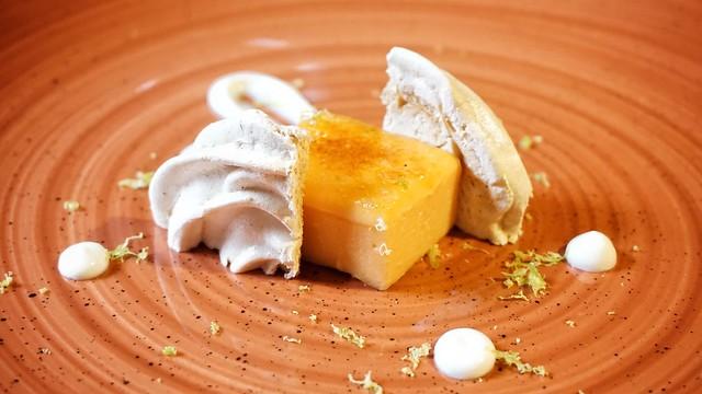Pastel dulce de boniato con crema de queso y limón