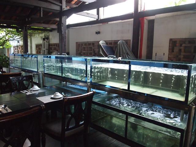 P6270018 Dong Restaurant vietnam ベトナム 花鍋 ドンレストラン