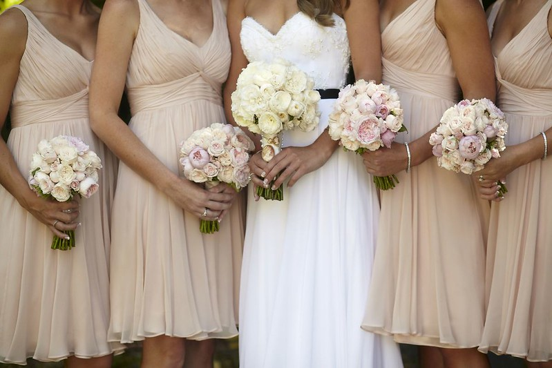 neutral bridesmaids for an outdoor rustic wedding | Photo by Blumenthal Photography | Read this real wedding on I take you - UK wedding blog