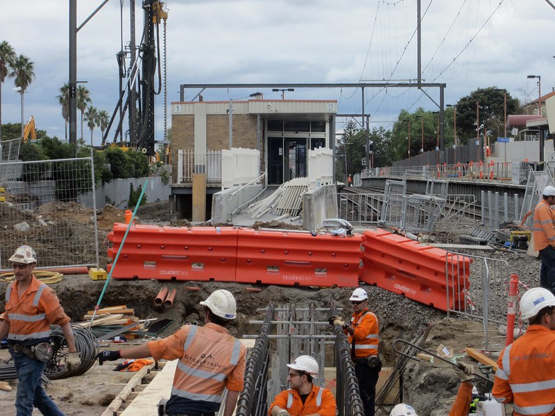 Bridge construction at Centre Road for level crossing removal works