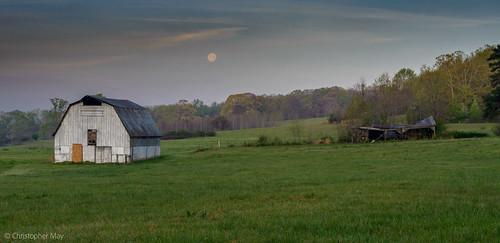 moon mountain green heritage abandoned field grass barn sunrise ga ruins national arabia area moonset arabiamountain fiull arabiamountainnationalheritagearea