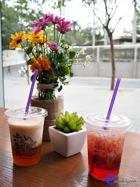 coffee bean and tea leaf sweet tea