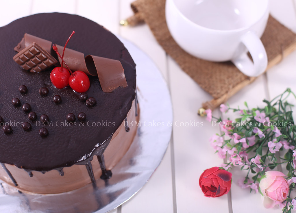8. Milk Chocolate Cake DKM Cakes