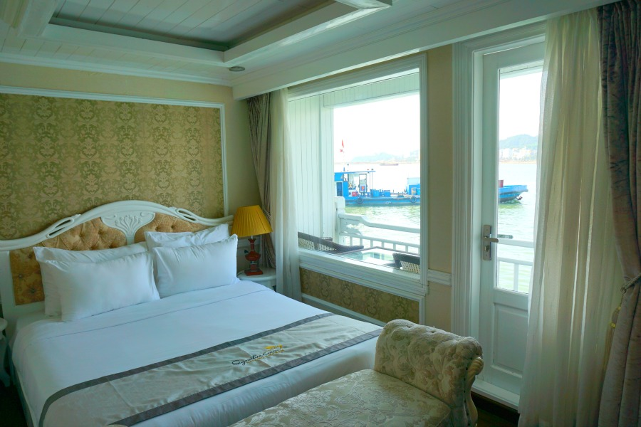 Halong Bay Cruise Deluxe Room