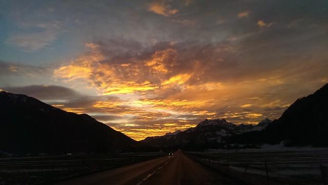 Sonnenaufgang Reichenburg Richtung Bilten, Schweiz / Switzerland