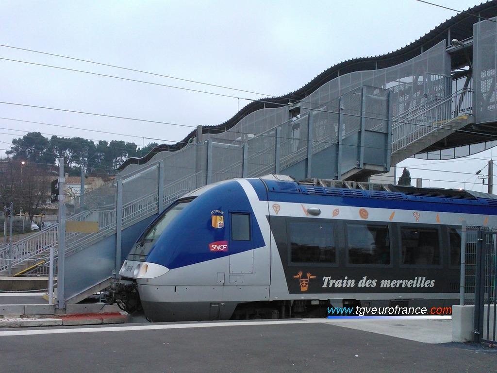 L'autorail XGC de Bombardier Transport (rame X76683/X76684 SNCF) de la Région PACA
