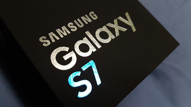 Samsung Galaxy S7 box (2)