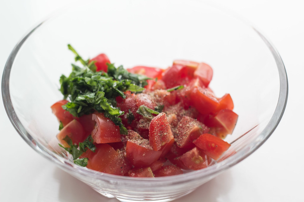 Grillet aubergine med smeltet ost og tomatsalsa (12)