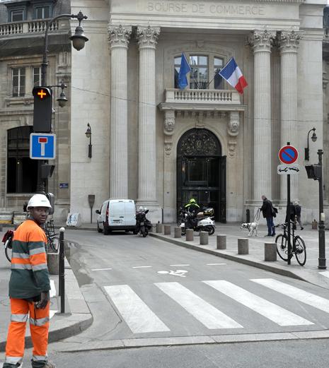 16d27 Bourse de commerce de Paris y Rivoli_0027 variante 1 Uti 465