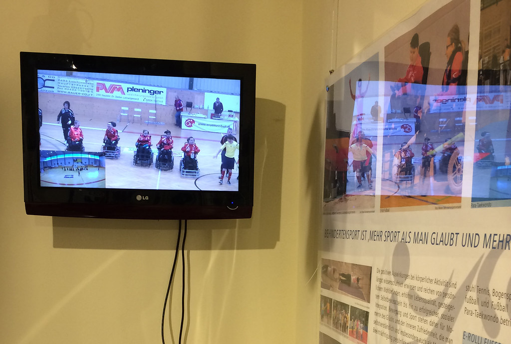 Bezirksmuseen: Wir präsentierten E-Rolli Fußball