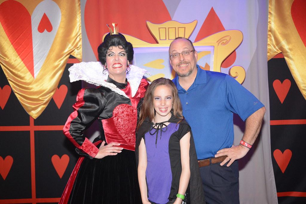 Queen of Hearts Club Villain at Disney's Hollywood Studios in Disney World (269)