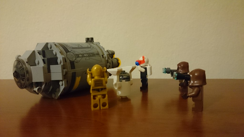 ThebrickReview: LEGO 75136 - (Star Wars) Droid Escape Pod (Pic Heavy!) 25283184173_4d5fbdfef4_b