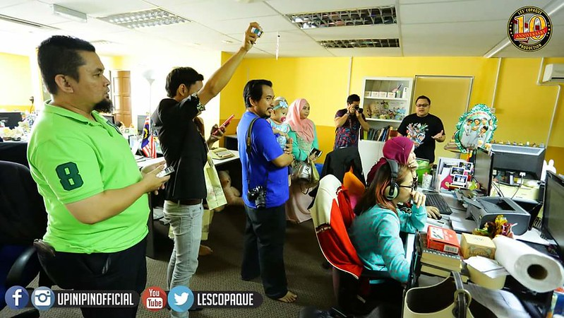 Lawatan blogger ke studio Les' Copaque Production