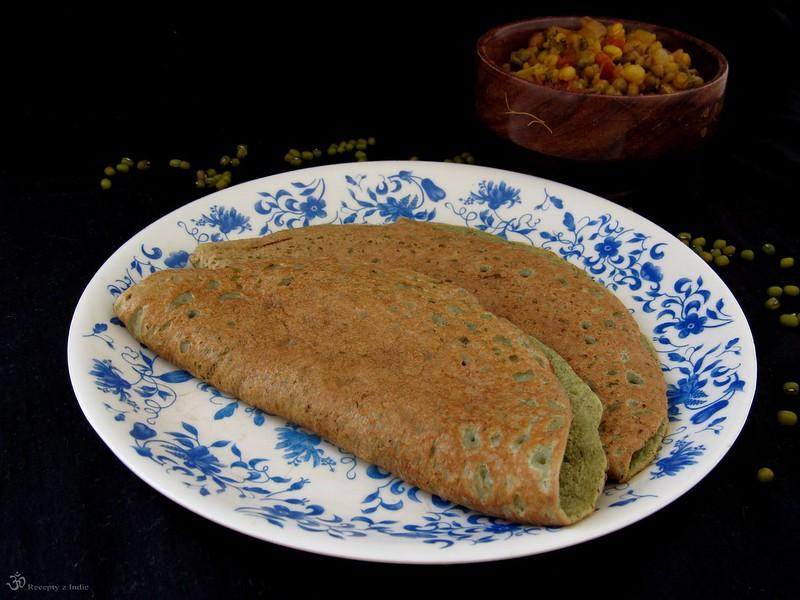 Pesarattu (placky z mungo fazuliek)