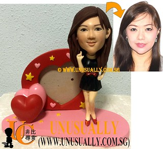 Custom 3D Sexy Lady Figurine On Heart Shape Photo Frame - © www.unusually.com.sg