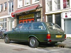 1981 MERCEDES-BENZ W123 200T