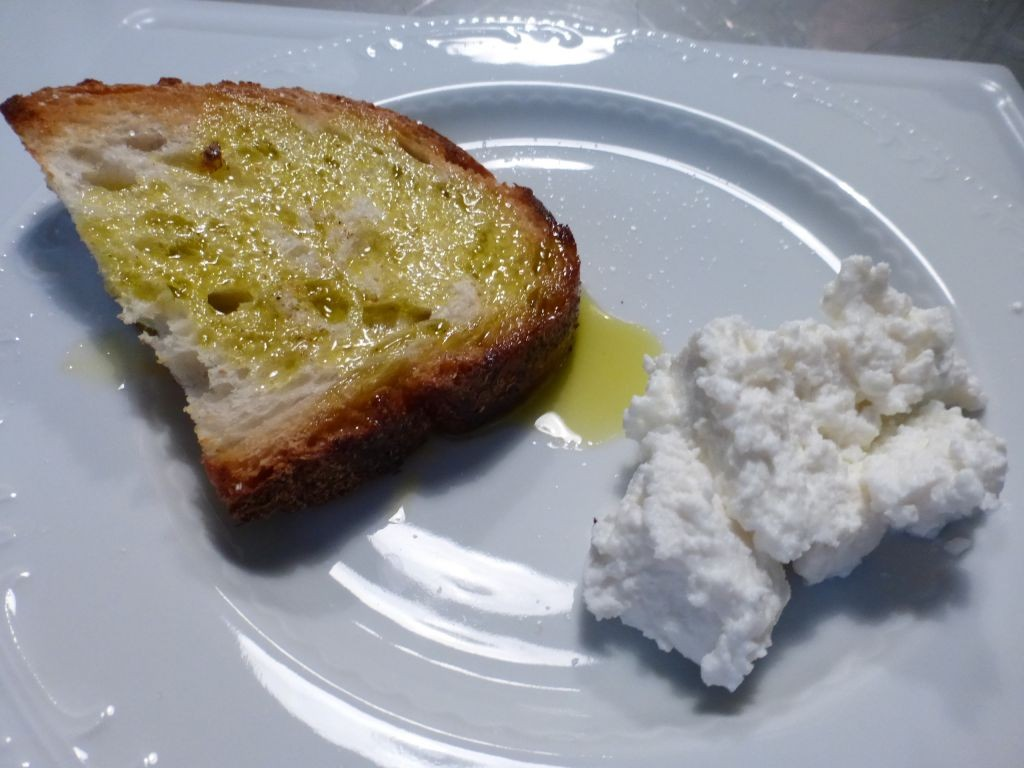 bruscetta with fresh ricotta