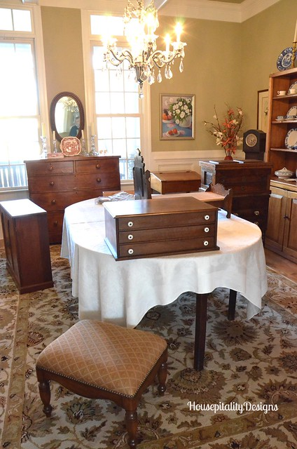 A Moving Sale Of Beautiful Antiques